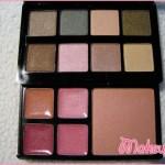 Zoom sui colori: sopra gli ombretti, sotto i gloss (a sinistra) e il blush (a destra)