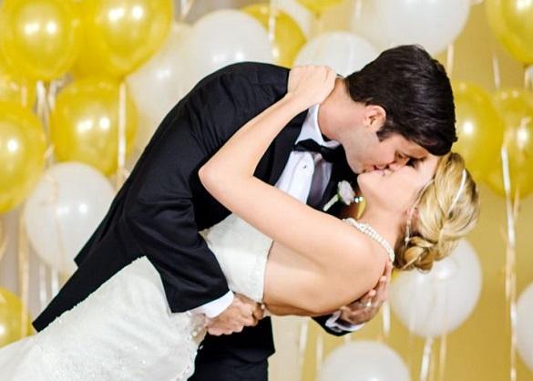 Bridal manicure: smalto coordinato al wedding theme