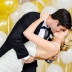 Bridal manicure, scegli lo smalto adatto al tuo wedding theme (Ep.1)